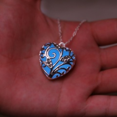 Fashion Magical Fairy Glow in the Dark Pendant Locket Heart Necklace Luminous Blue Glowing