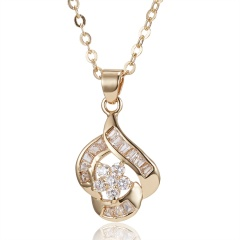 Fashion Crystal Hollow Flower Pendant Necklace Gold
