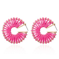 C-shaped rice beads hand-wound braided stud earrings pink