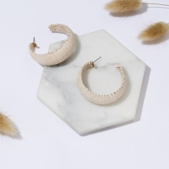 Women Bohemian Jewelry Geometric Polychromatic Hand-woven Hoop Earrings Straw Lafite Earrings Rattan C Shape Hoop Earring Beige