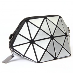 Silver Triangle Cosmetic Bag Linger Wash Gargle Bag Chain One Shoulder Bag 21*11*11cm Silver