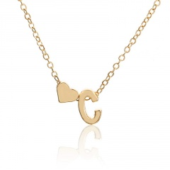 Fashion 26 Letter with Heart Pendant Necklace Gold Chain Short Alloy Necklace Jewelry Gift C