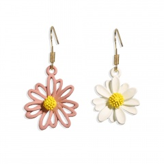 Metal Colorful Daisy Asymmetric Dangle Golden Earring Pink+White