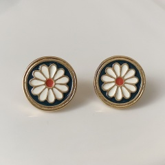 Enamelled relief flowers retro small Daisy stud earrings Gold - round style