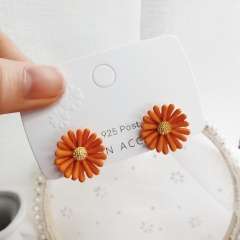 Wholesale Fashion Daisy Petal Stud Earrings Orange