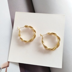 Wholesale Fashion Simple And Twist Metal Stud Earrings Gold