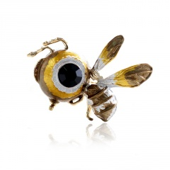 Gold Big Eyes Cartoon Bee Pins Brooches for Women A